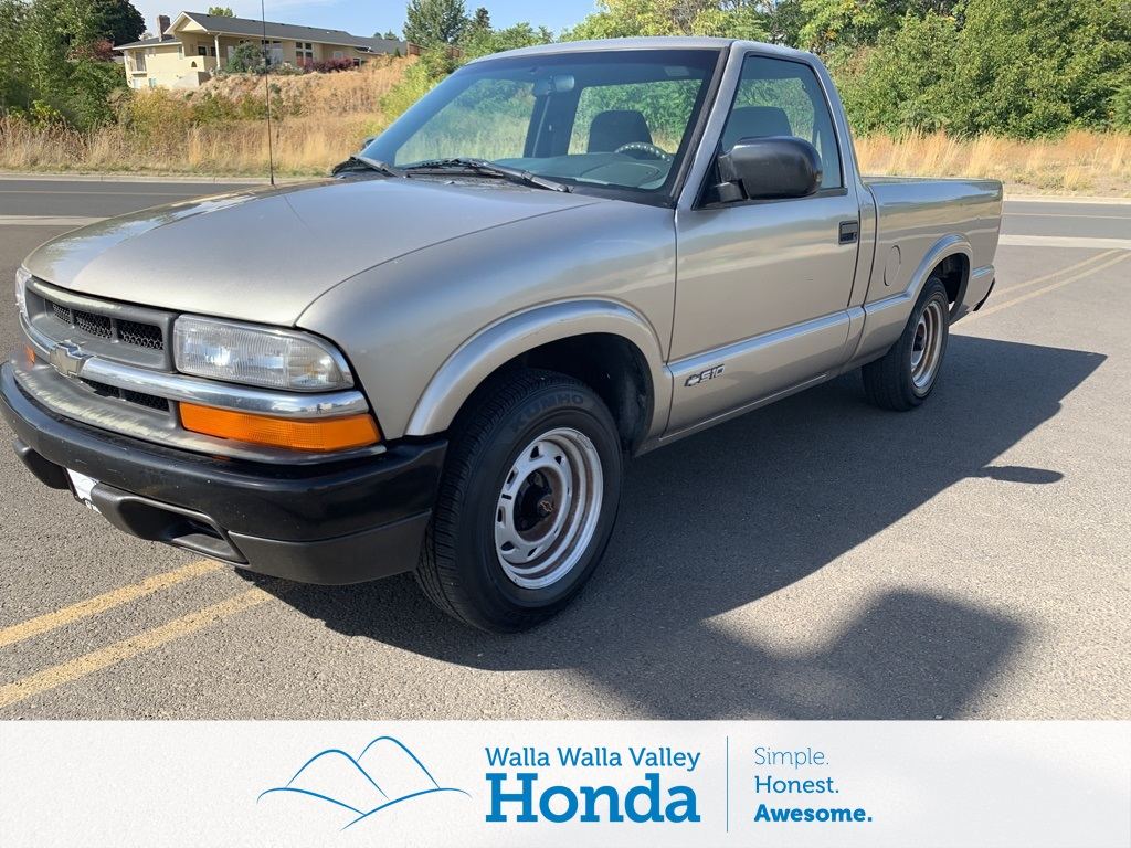Pre-Owned 2001 Chevrolet S-10 Base